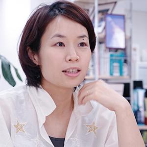 株式会社ALE を2011年9月に創設、CEO に就任。就任以前はゴールドマンサックス社にて債券投資及び未公開株を取り扱い、その後、モバイルゲーム・コンサルタント業にて1 社ずつベンチャー企業の立ち上げを経験。モバイルゲームベンチャー企業時代に、宇宙航空研究開発機構(JAXA)のオープンラボのメンバーに選出される。 東京大学にて宇宙工学の博士号取得。
